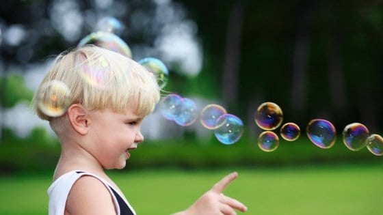 Homemade Bubble Wands Featured Pic