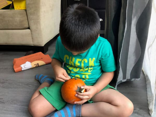 Thumbtack Pumpkin 3