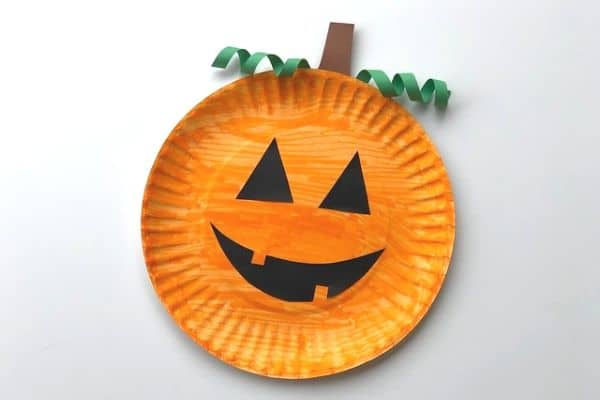 easy and quick paper plate pumpkin