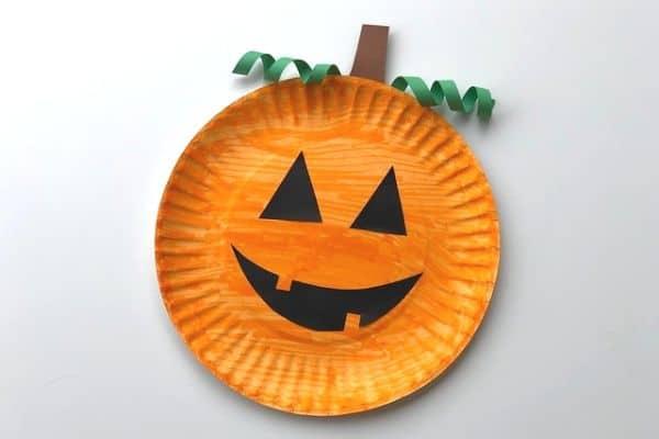 paper plate pumpkin 4