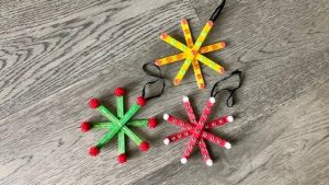 Popsicle-Snowflake-Ornaments-1