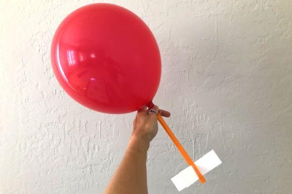 Balloon-Rocket-Experiment-Hold-Balloon-Shut