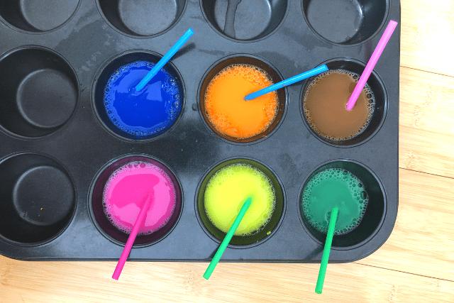 Bubble Art Mix the Paint