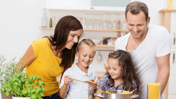Cooking-Dinner-with-Kids