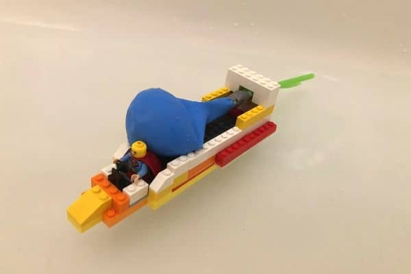 Balloon-Powered-LEGO-Boat-with-Balloon