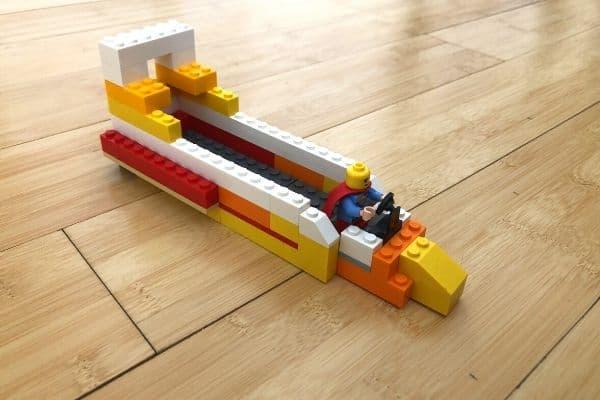 Balloon-Powered-LEGO-Boat
