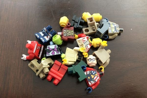 Free-LEGO-from-Slime-Activity-LEGO-Pieces