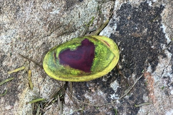 Melted-Crayon-Rocks-Heart