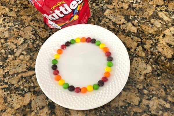 Arrange Skittles in a Circle