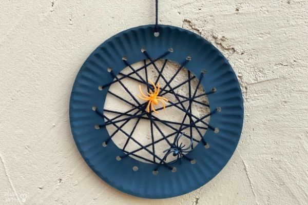 Hanging Paper Plate Spider Web (1)