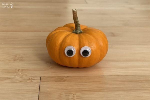 Pumpkin Mummy Craft Googly Eyes