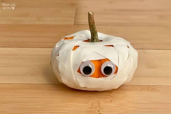Pumpkin Mummy Halloween Craft (1)