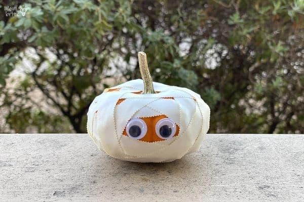 Pumpkin Mummy Halloween Craft (2)