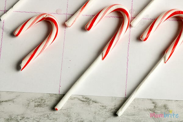 Dissolving-Candy-Canes-used-for-experiment