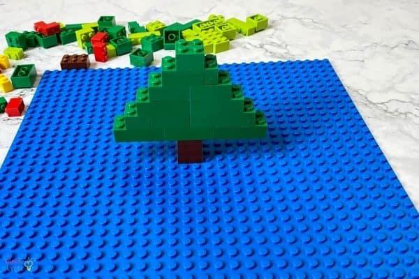 LEGO Christmas Tree (4)