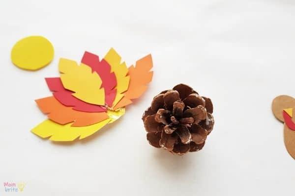 Pinecone Turkey Craft (4)