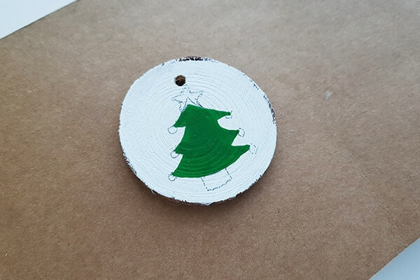 Round wood slice design fill with Acrylic paint