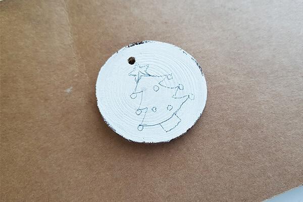 Round wood slice pencil draw
