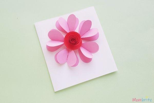 3D-Heart-Flower-Card-Flower-Center
