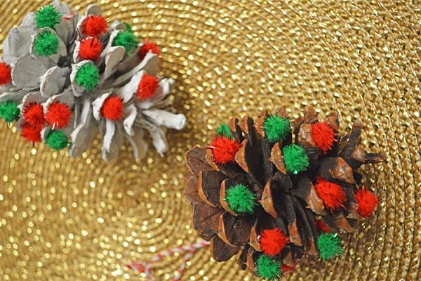 Hand made coloured pinecone-min