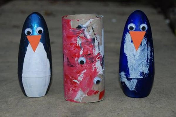 Hand-made-penguin-craft-for-kids-min