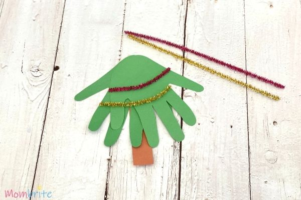 Handprint Christmas Tree Craft (2)