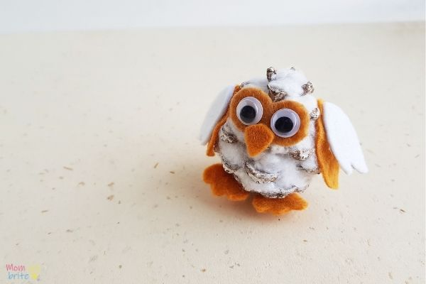Pinecone Snowy Owl Craft (1)