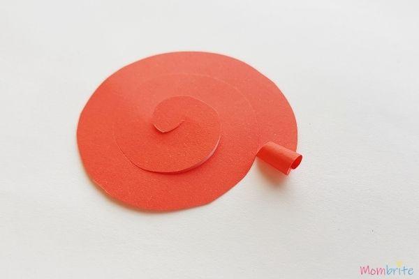 Spiral-Pattern-Paper-Rose-1