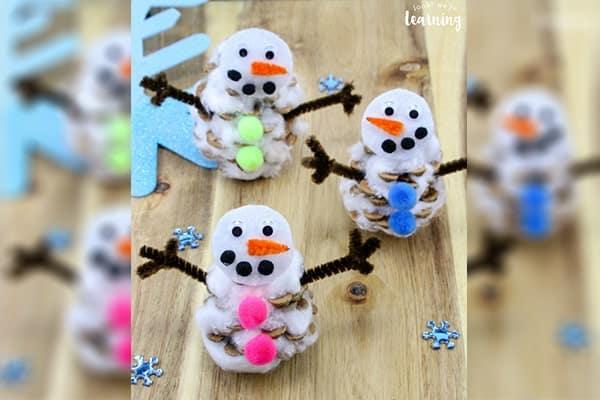 adorable-pinecone-snowman-craft-min