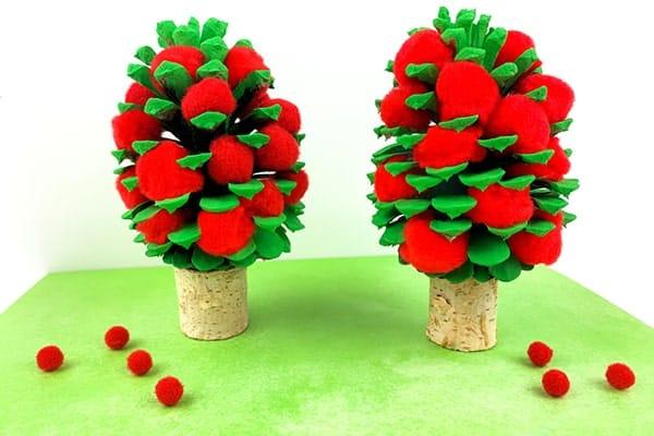 coloured pinecone apple tree-min