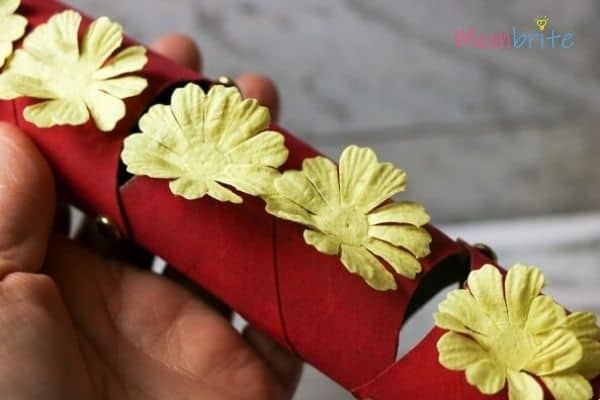 transform the craft into Chinese dragon puppet