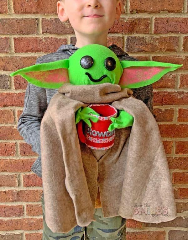 Baby Yoda Valentine's Day Card Box