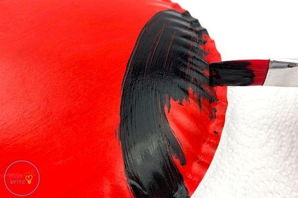 ladybug paper plate craft paint paper plate black
