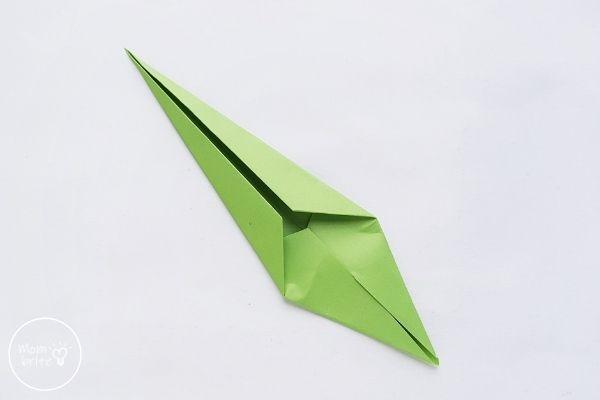 Origami Tulip Fold Stem Vertically