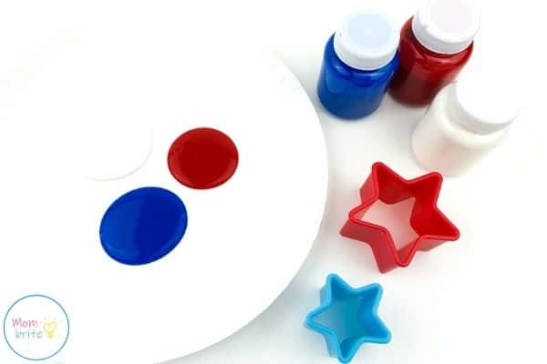 4th of July Star Painting Craft Pour Paint on Paper Plate