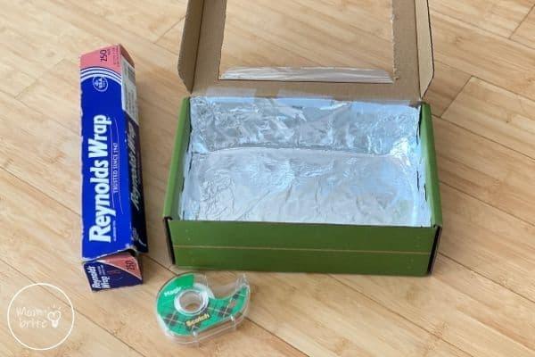 DIY Solar Oven Take Aluminum Foil Inside the Box