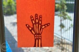 Skeleton Handprint X-Ray Craft (1)